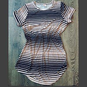 Dresses & Skirts - Pink & black striped plus size t shirt dress